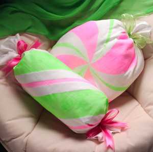 Sweet Holiday Candy Pillows