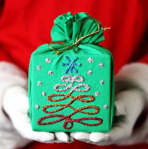 Twinkle Tree Christmas Gift Wrap